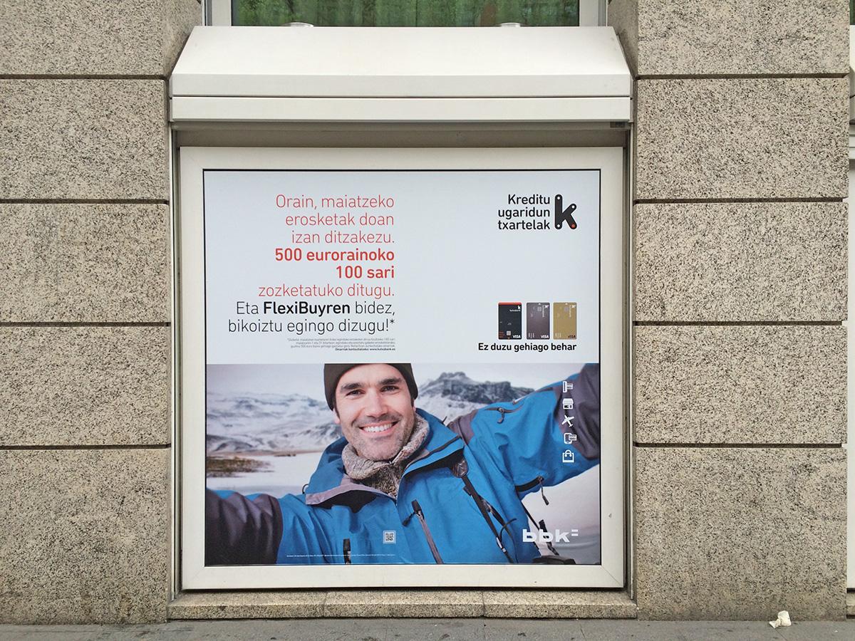 Kutxabank BBK FlexiBuy promoción exterior bajo edificio chico
