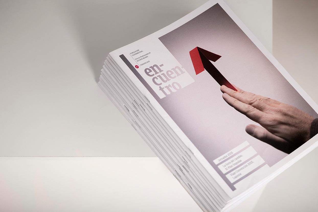 Revista Encuentro Seguros Bilbao Diseño Gráfico apiladas