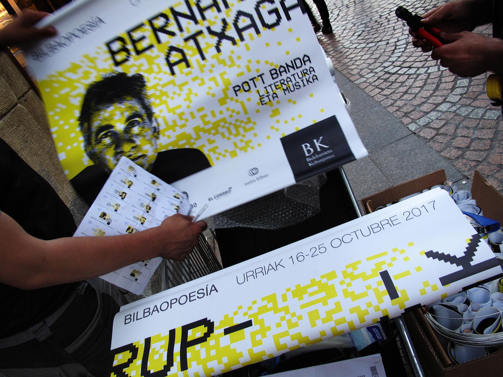 Bilbao poesía calles Bilbao colocación carteles