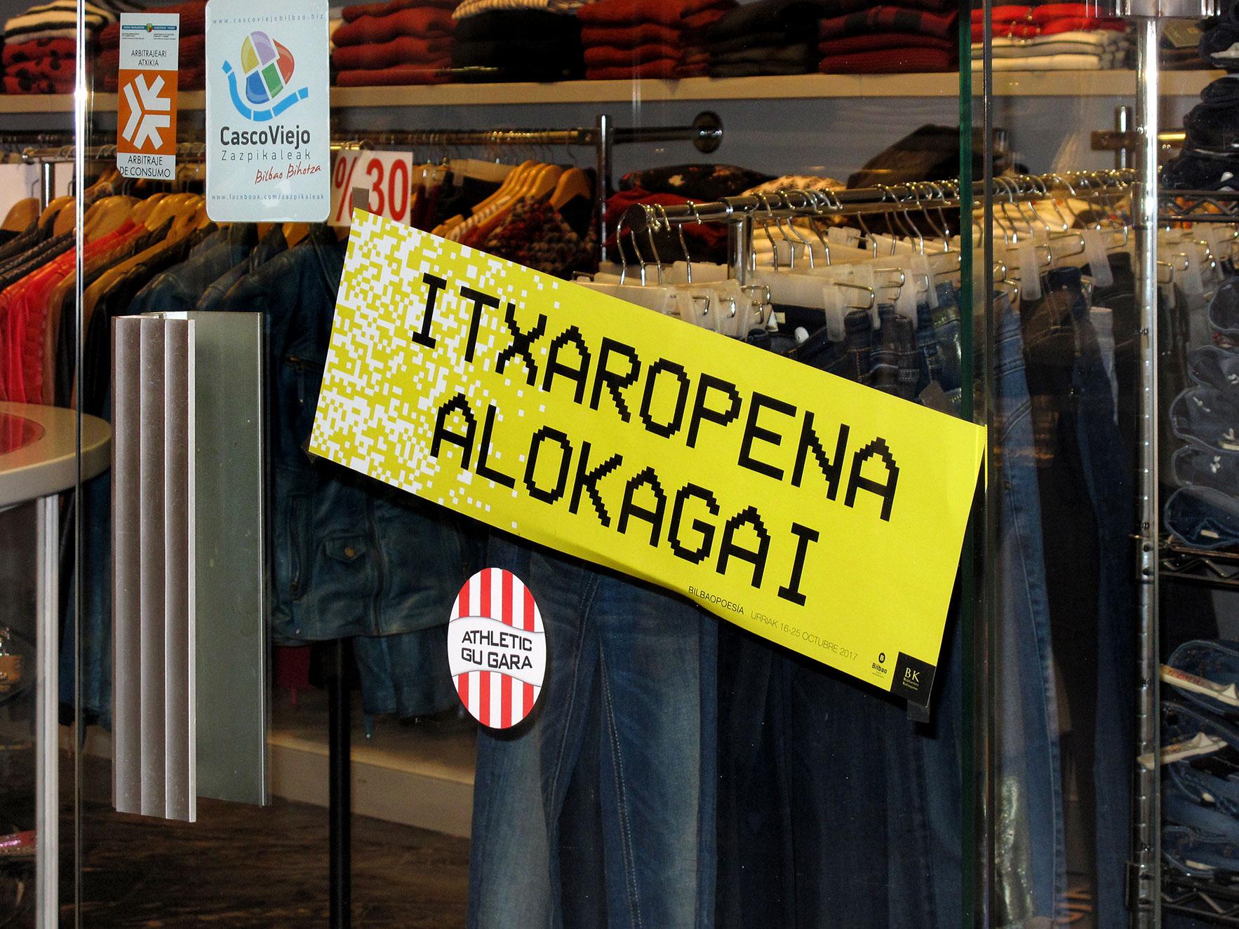 Bilbao poesía escaparate tienda euskera