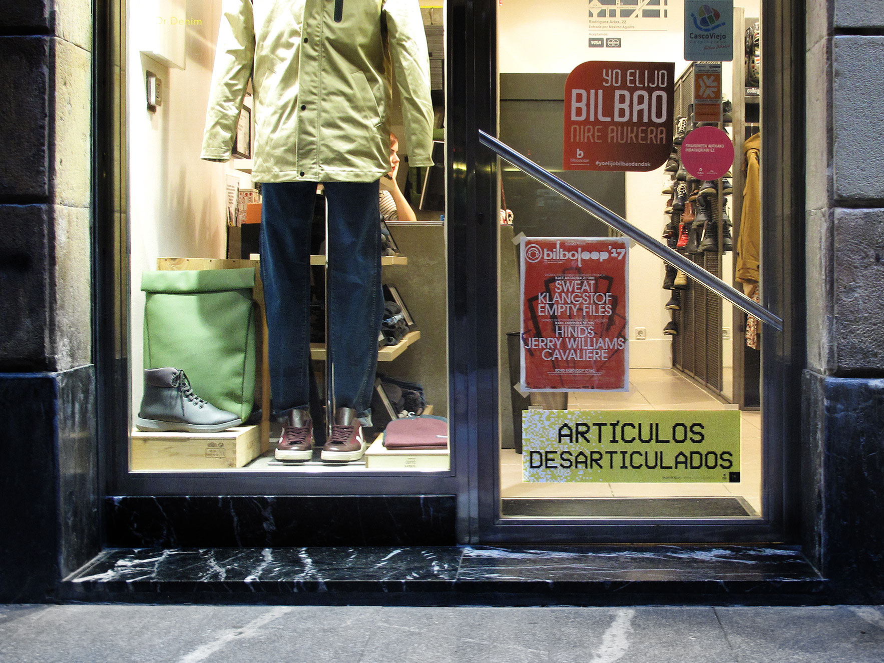 Bilbao poesía escaparate tienda Bilbao