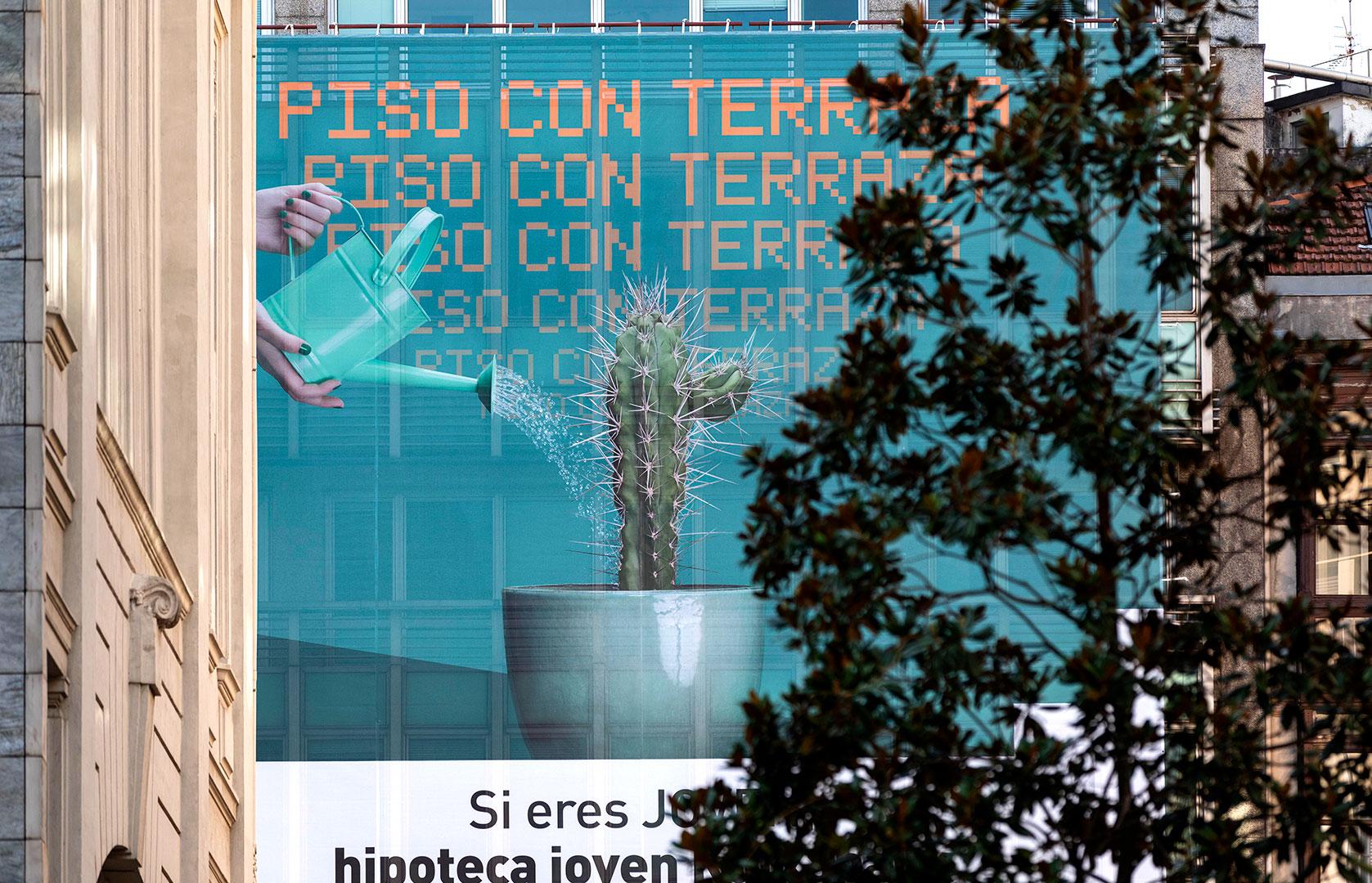 kutxabank korner foto lona fachada gran vía Campaña Publicidad